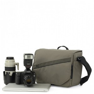 lowepro-event-messenger-250-70-1405971247